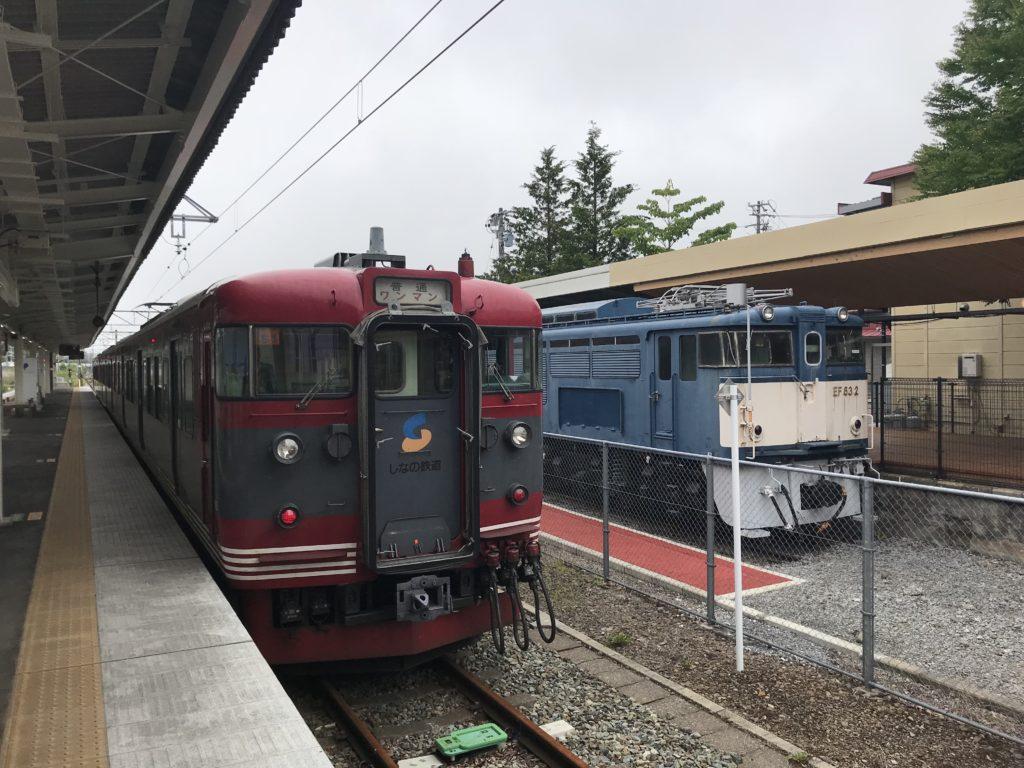 軽井沢駅に停車するしなの鉄道