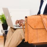 会社への不満があると辞める前に、人の転職事例をみてみるのはどう?