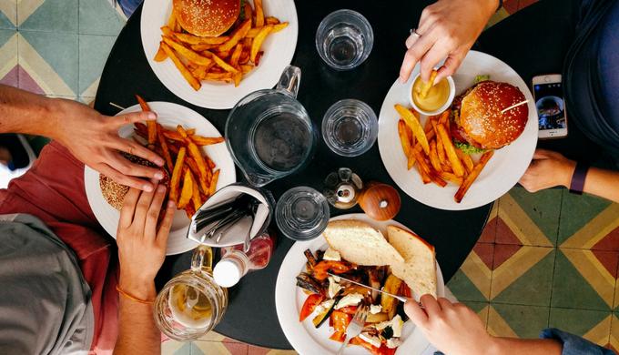 子育て家庭の外食費を節約するには?クーポンよりアンケートで最大100%オフ!?